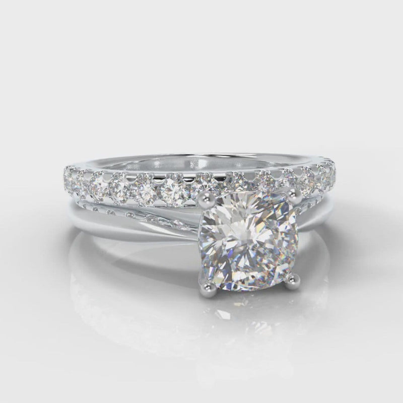 Carrée Solitaire Cushion Cut Diamond Bridal Set