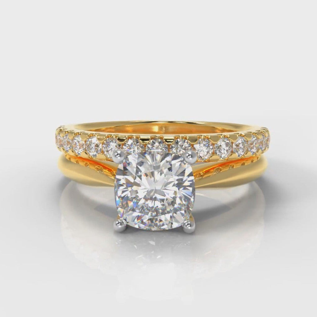 Carrée Solitaire Cushion Cut Diamond Bridal Set - Yellow Gold