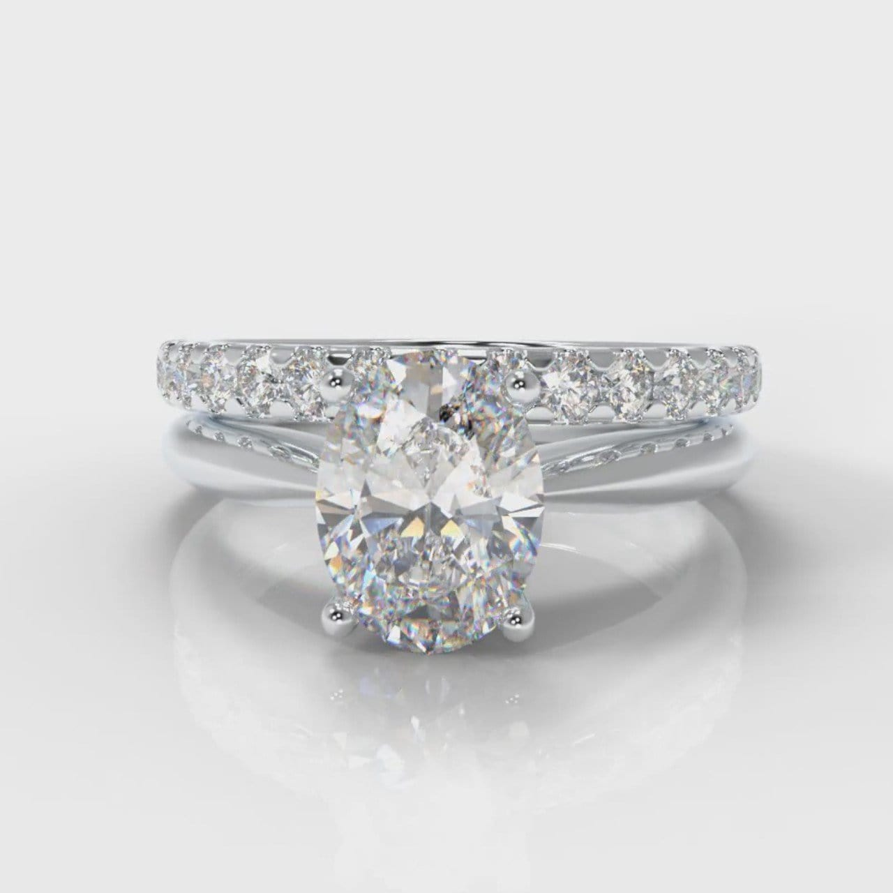 Carrée Solitaire Oval Diamond Bridal Set