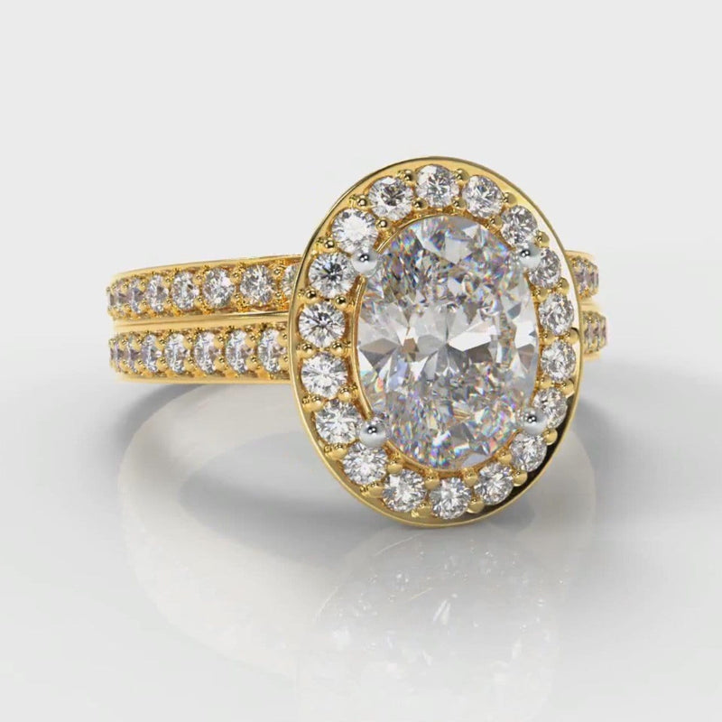 Pavé Oval Diamond Halo Bridal Set - Yellow Gold