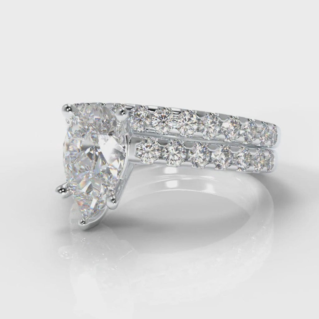 Micropavé Pear Diamond Bridal Set