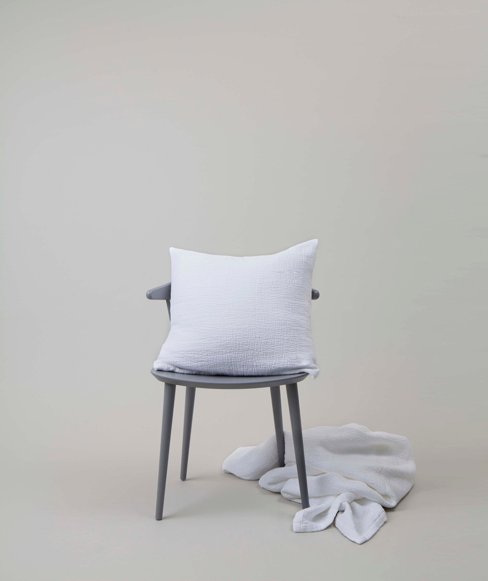 Structured Cushion White