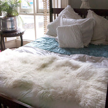 Load image into Gallery viewer, White Sheepskin Double - Artemis Brighton