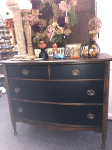 """Kinsley"" 3 Drawer Two Tone Dresser"