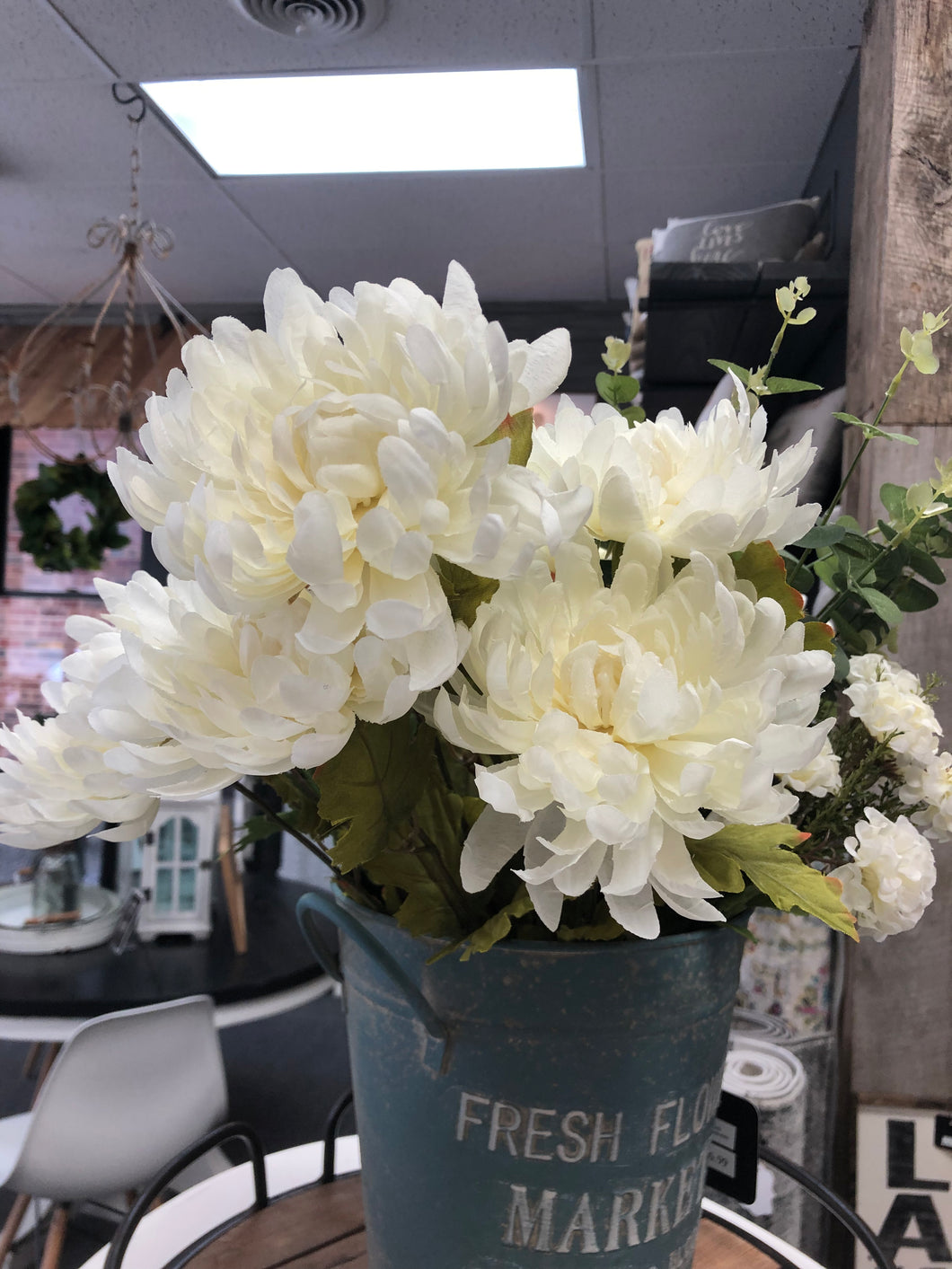 Faux Cream Flowers (1 Bunch)