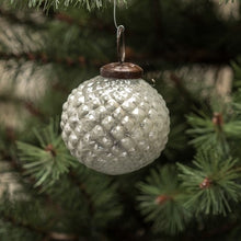 Load image into Gallery viewer, SIlver Hobnail Glass Ornament