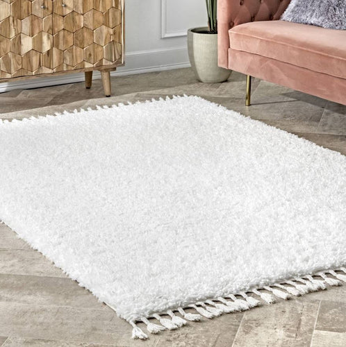 Solid Shag with Tassels White  4'X6'