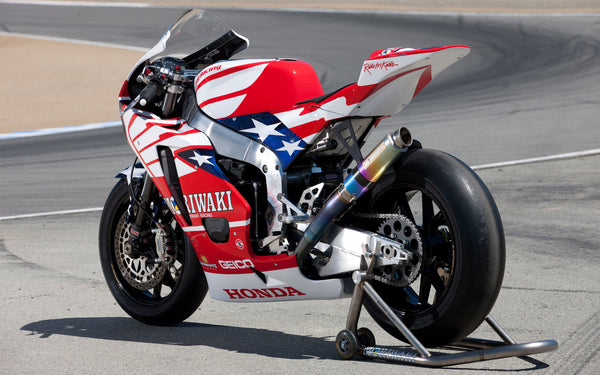 Honda sportbike with American flag.