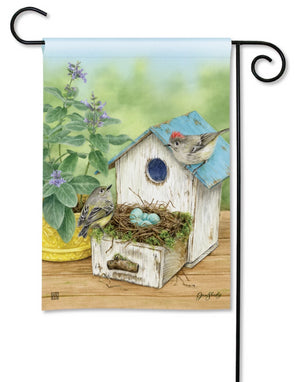 Birdhouse Nest Garden Flag