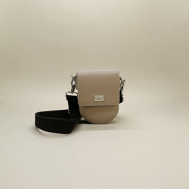 Small but Roomy Leather Bag (Sirmione)