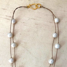 Load image into Gallery viewer, Ivory Pearls Floating Necklace