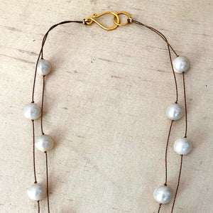 Ivory Pearls Floating Necklace