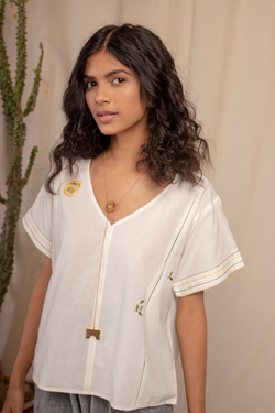 Sui | CAPRIANA embroidered recycled fabric casual white top from Granita Summer Collection 2019