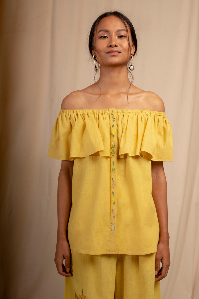 Sui | DAL PORTO embroidered, herbal-dyed organic cotton khadi off-shoulder ruffled top from Granita Summer Collection 2019