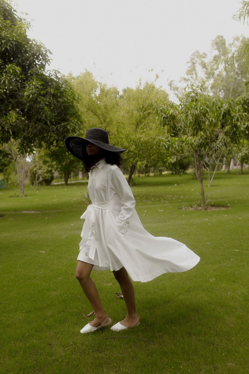 Sui | EASY BREEZY hand-embroidered organic cotton dress (classic Flow edition) from Flow Winter Collection 2019