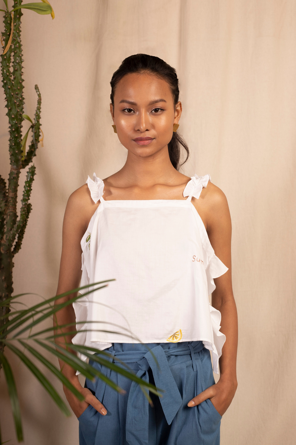 Sui | FIORI embroidered organic cotton casual top with ruffled shoulder straps from Granita Summer Collection 2019
