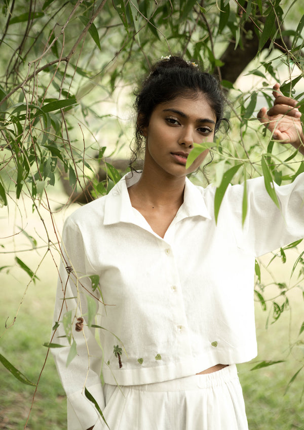 Sui | GREEN THE WAY embroidered, recycled fabric, everyday staple, classic white shirt from Basic-ally Sui Basics Collection 2019
