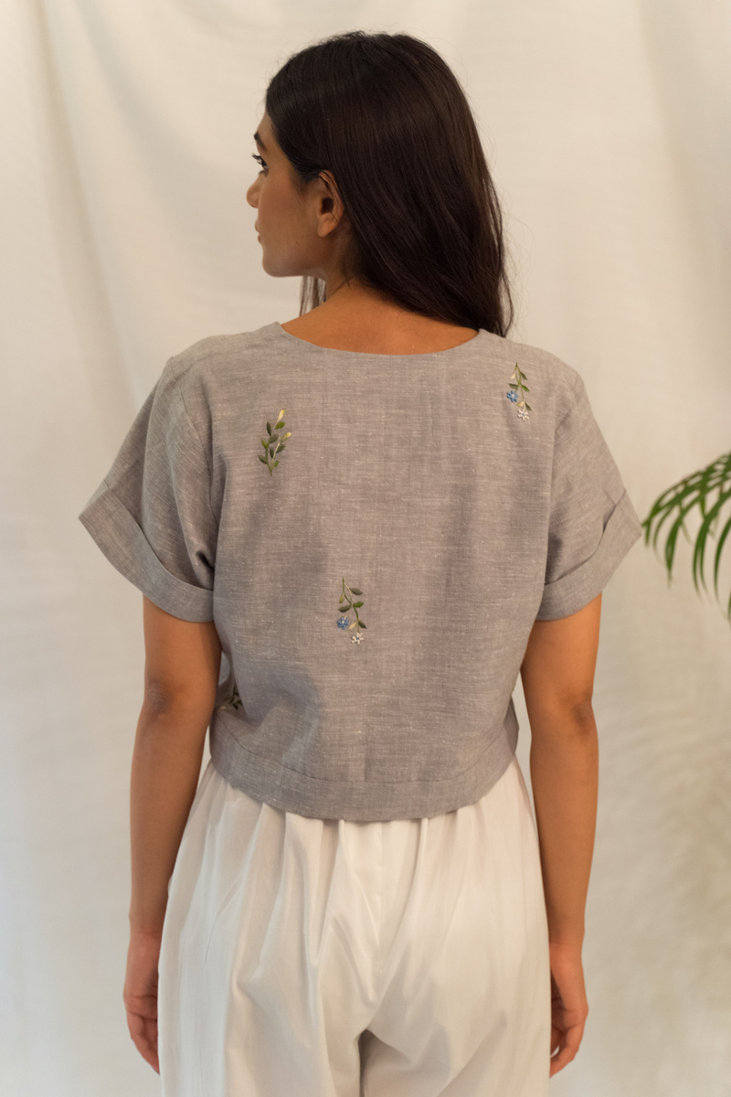 Sui | LEAFY hand-embroidered hemp crop top from Flow Winter Collection 2019