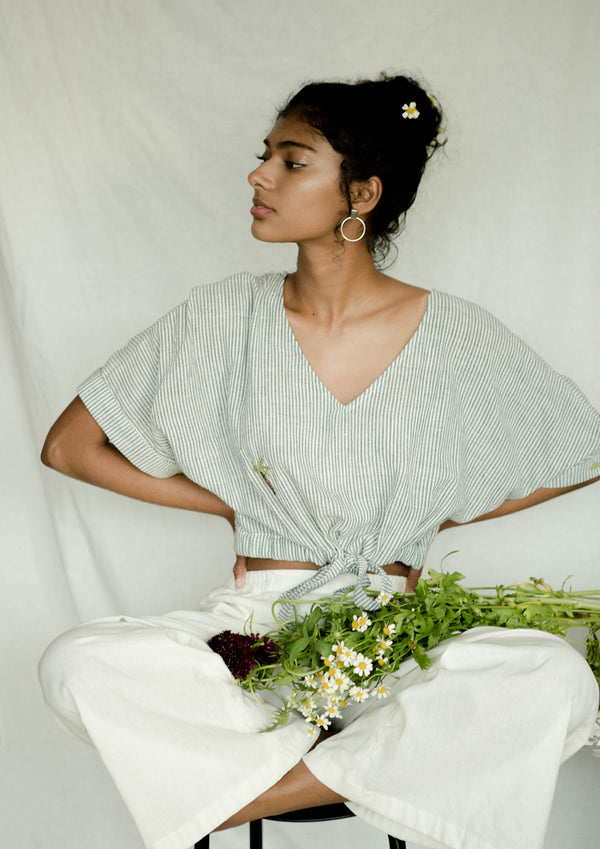 Sui | PALMY AFFAIR handwoven organic cotton, front knotted crop top with kimono sleeves from Basic-ally Sui Basics Collection 2019