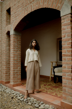 Sui | SANDY HEART hand-embroidered hemp trousers from Flow Winter Collection 2019