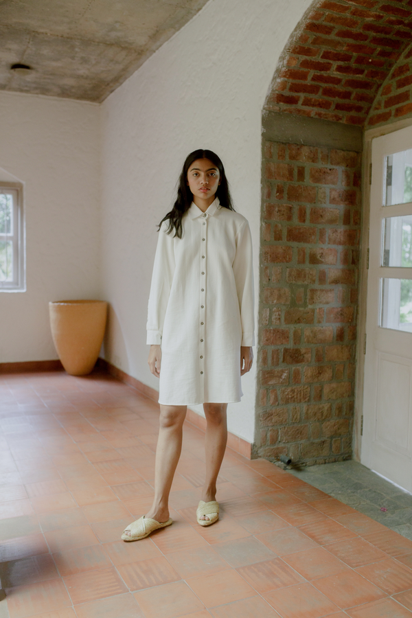 Sui | THE BEACH embroidered front-buttoned fleece shirt dress from Flow Winter Collection 2019