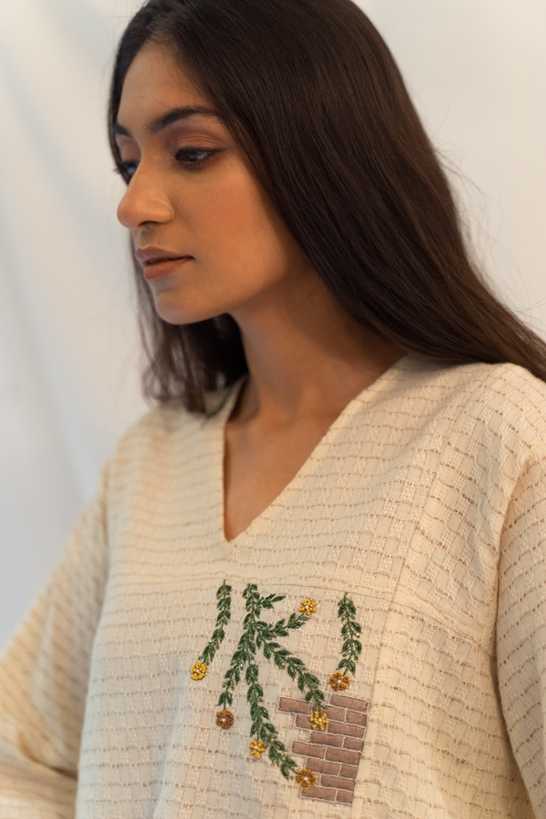 Sui | THE FLOW knit crop top in hand-embroidered nettle and bamboo fabric from Flow Winter Collection 2019