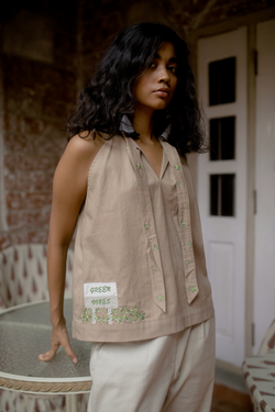 Sui | THE NORTHERN herbal-dyed organic cotton sleeveless top from Flow Winter Collection 2019