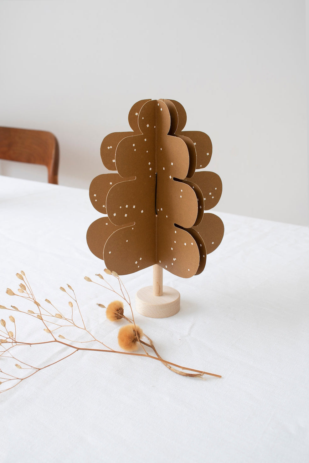 DIY Wood and paper OAK tree decoration