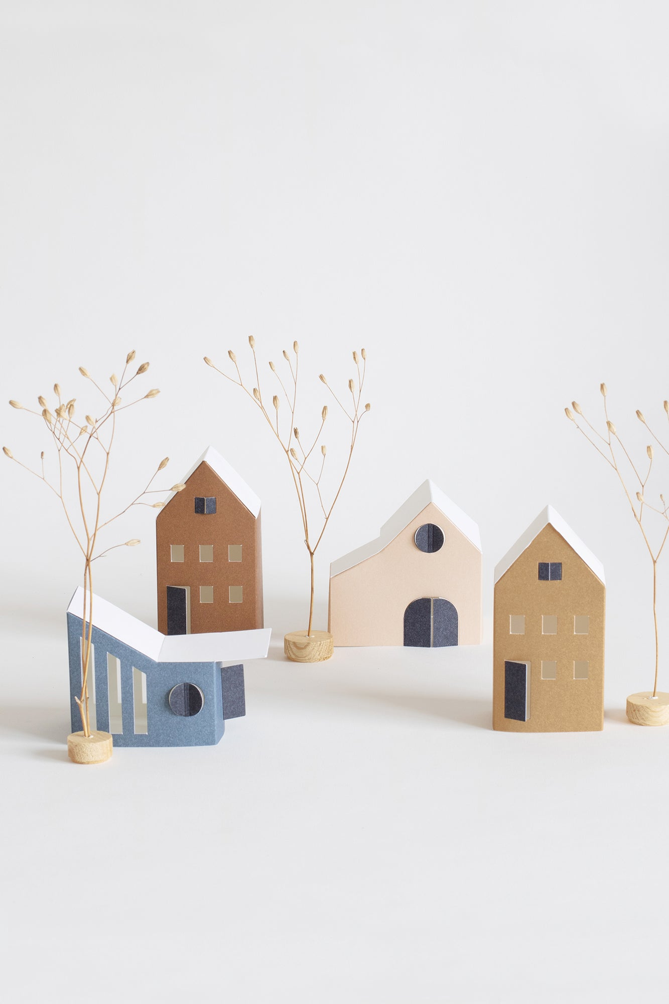 TÛS - set of 12 tiny DIY paper houses