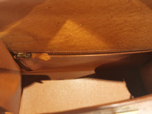 Load image into Gallery viewer, Hermès kelly 32 camel ostrich handbag