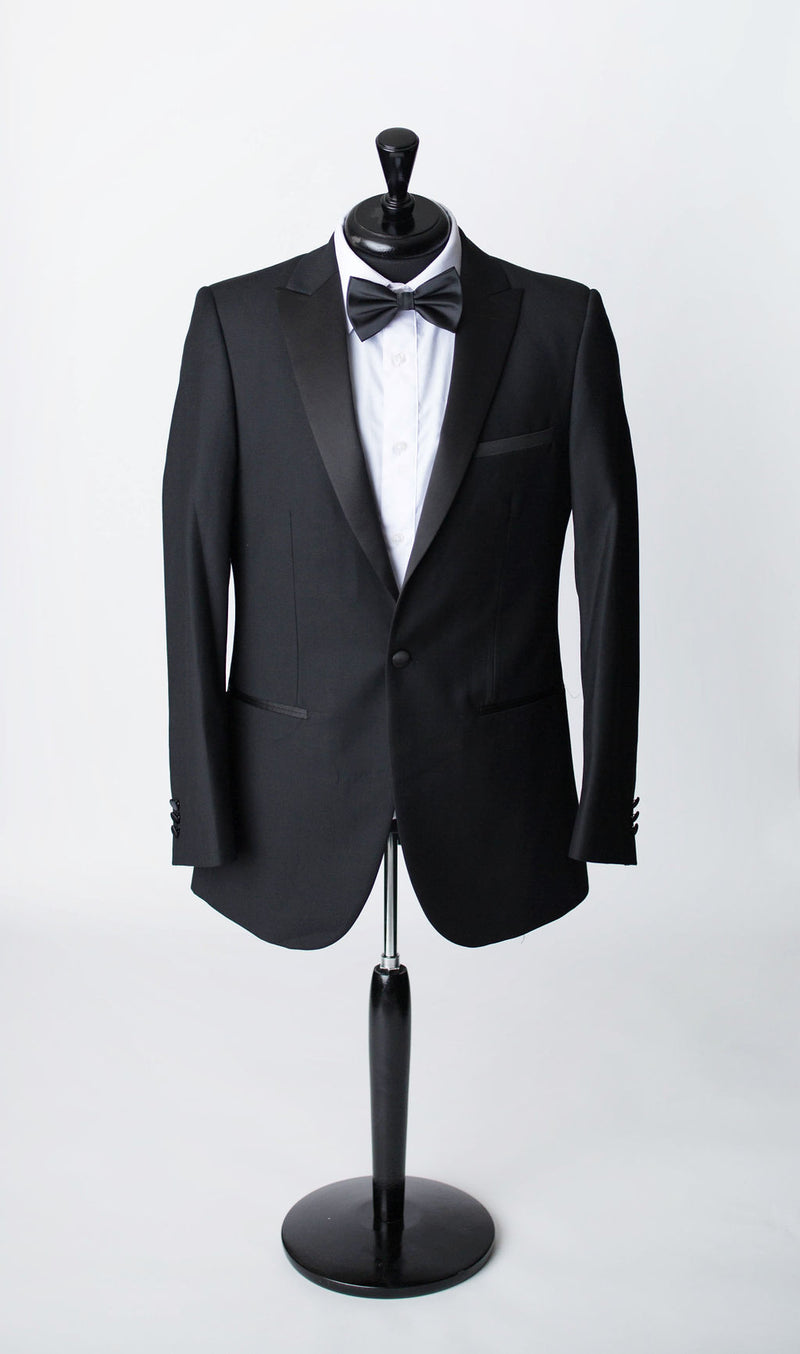 black tuxuedo for men