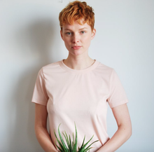 Load image into Gallery viewer, The Edda t-shirt - Powder pink