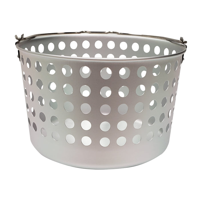 Metal basket with handle