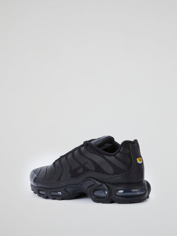 Triple Black Air Max Plus Sneakers