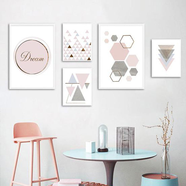 Mur de tableaux Triangles