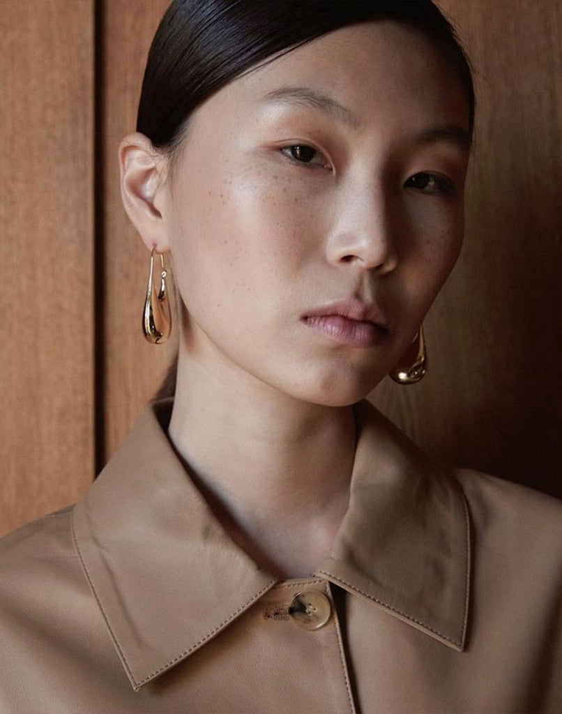 DORIC<br>Earring (one piece), 18k gold