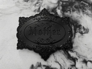 Victoriana Mother Pin