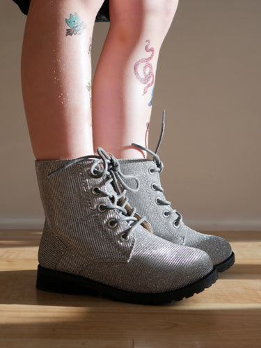 Aurora Combat Boots in Pewter (Toddler/Kids)