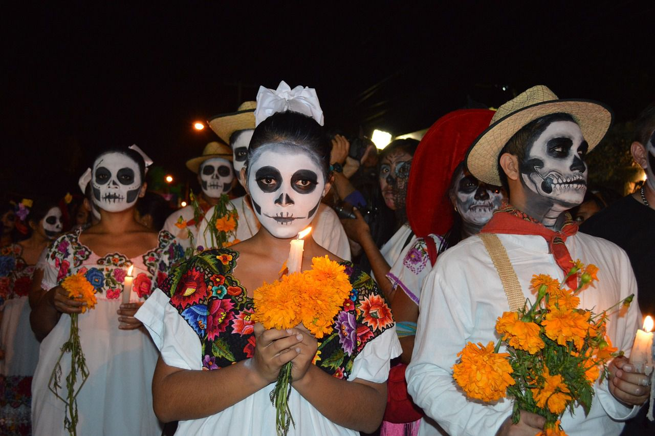 Mexican Day of the Dead Party & Fancy Dress Costumes | Ideas, Inspiration & Sugar Skull Makeup