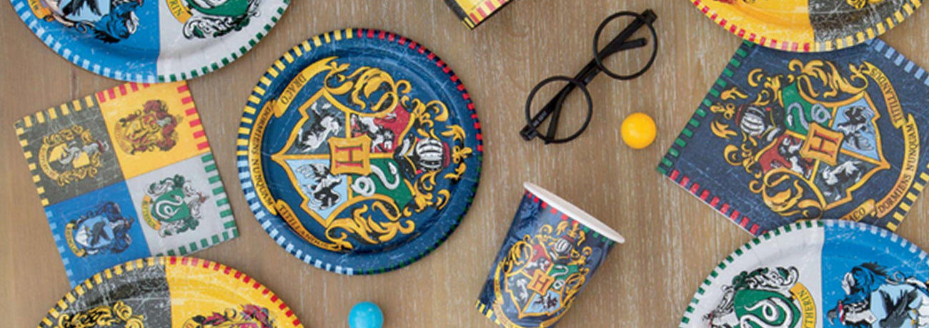 harry potter balloons, harry potter themed party, harry potter party bags, harry potter party decorations and harry potter party supplies