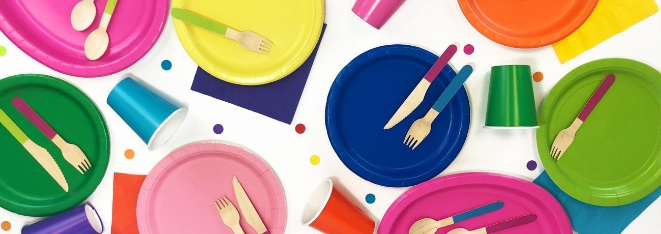 party paper plates, disposable party tableware, including party plates and cups