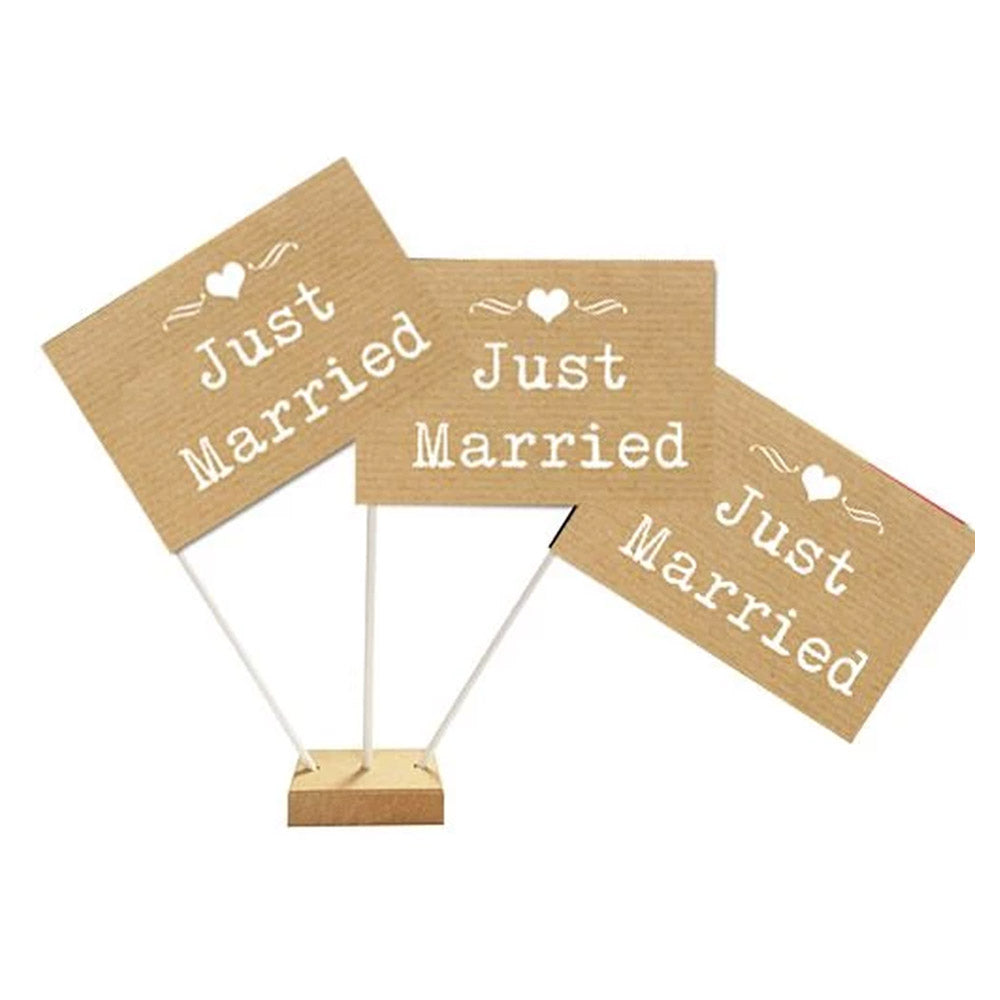 "Brown Paper Rustic 'Just Married' Flags 6"" on 10"" Pole"