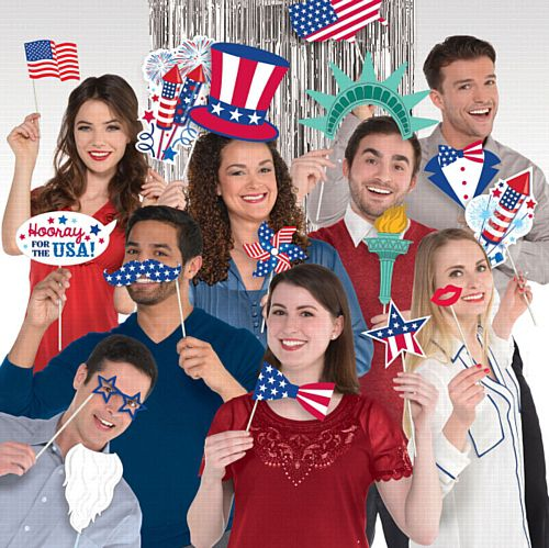 American Selfie Scene with Photo Booth Props - Pack of 21