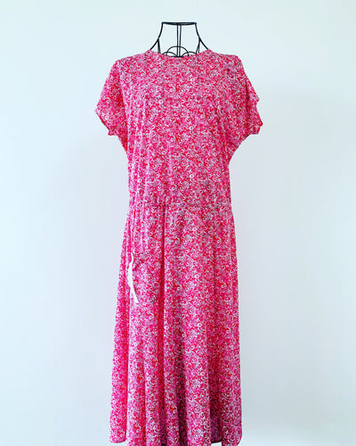 Vintage // Sweet Raspberry-Coloured Sun Dress // Best Suited To Sizes 16-18