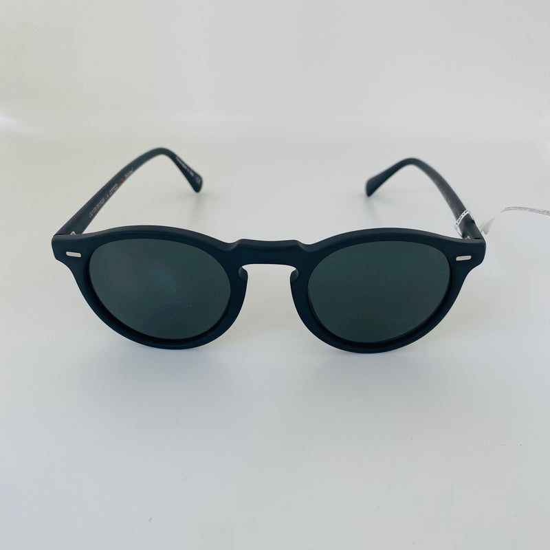 OLIVER PEOPLES | OV5217S 1031P2 47 | GREGORY PECK SUN | SEMI MATTE BLACK WITH CRYSTAL /POLARISED