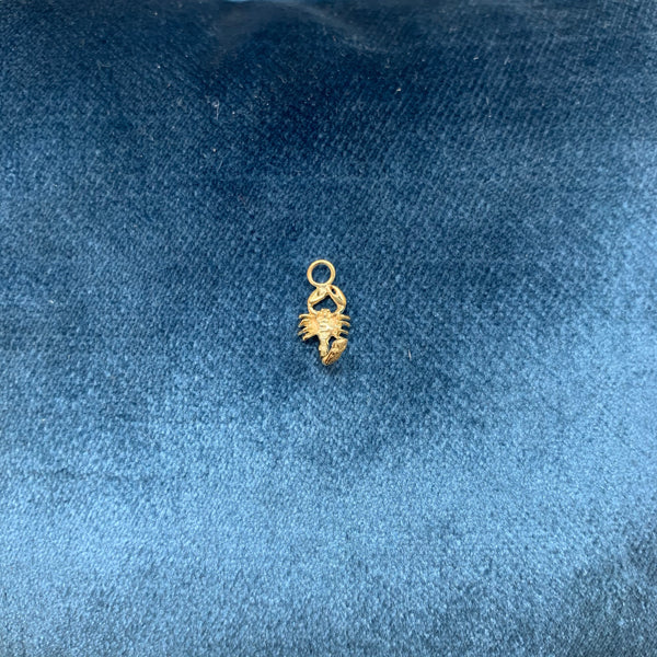 FEIDT | Charm Scorpio | 9k Yellow Gold | OR09J