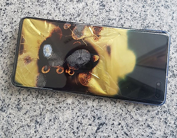 Galaxy S10 5G bursts into flames, but Samsung refuses to take responsibility