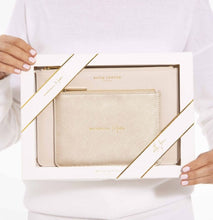 Load image into Gallery viewer, Katie Loxton 'Wonderful Mum' Perfect Pouch Gift Set