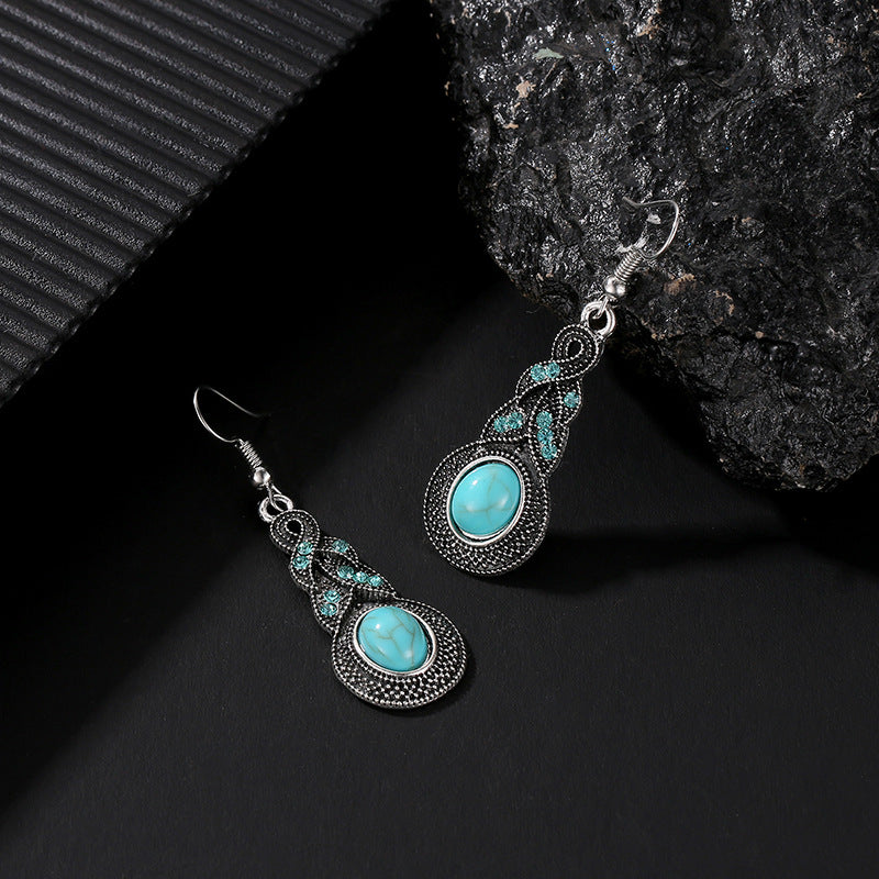 Turquoise Crackle Stone and Silver Antique Earrings and Necklace Set