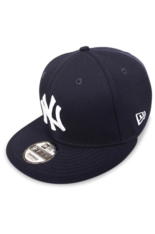 New Era 950 NY Yankees Navy Snapback Angle